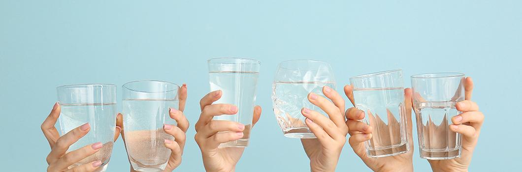 jak pić wodę żeby się nawodnić