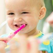 mycie ząbków niemowlaka
